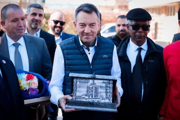 بمقر الأمانة العامة للهلال الأحمر الليبي استقبل مدير الفرع المكلف
