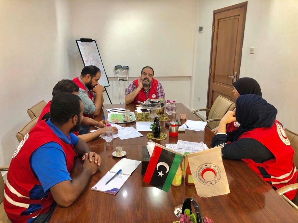 الإجتماع الأول للجنة التنسيقية المؤقتة لمكتب الشباب والعمل التطوعي بفرع الهلال الاحمر بنغازي.