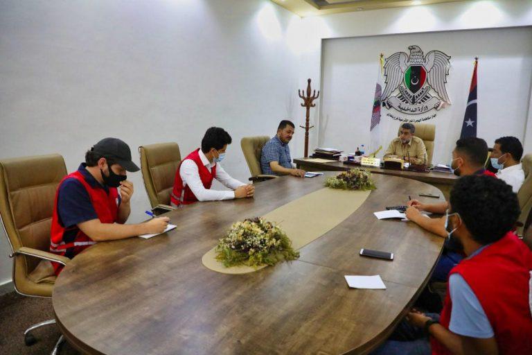 جمعية الهلال الاحمر الليبي فرع بنغازي بزيارة جهاز الهجرة الغير شرعية